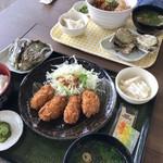 草津かき小屋 - かきフライ定食とかきフライ丼