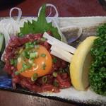 肉の田じま - 桜ユッケ