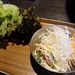 韓国苑 - 無料サービスコーナーからサラダ、スパサラ等