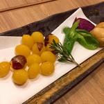 73376903 - 銀杏と季節野菜素揚げ