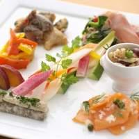 ヴェンタリオ - 料理写真:素材の味を活かした季節の野菜やシーフードの前菜(イメージ)