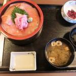 しゃくなげの湯お食事処 有明庵 - 特選バチ鮪丼