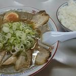 ラーメン麺雅 - これでライス小(笑)量が多い!