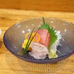 日本料理里乃や - 料理写真:石巻産メジマグロとヒラメの造り