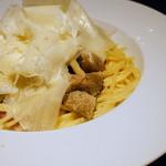 イタリアン&グリル アクア イルフォルノ - イタリア産パンチェッタと茸のパスタ トリュフとラスパドゥーラチーズ