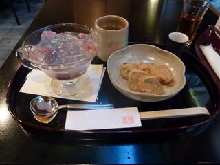 大極殿本舗 六角店 - 琥珀流しとミニわらび餅 940円