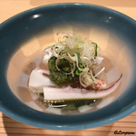 寿司割烹 魚紋 - 下足