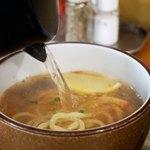 つけ麺 たつ介 - スープ割りは鶏出汁。