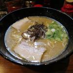 博多とんこつ でびる麺 -