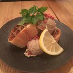 瀬戸内鮮魚と串焼き UZU - 白味噌仕立てレバーパテ