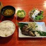 73400299 - カツオの塩タタキ定食