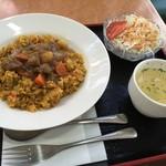 クレヨン - サラダとスープ付き