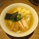 中華soba いそべ - 料理写真:白旨 特製ワンタン麺