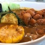 Kuu - 海老スープ 鶏ナンコツと野菜のスープカレー