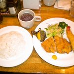 プチ・メルヘン - 料理写真:ミックスフライ(ライス・サラダ・スープ付き)