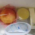 ル パティシエ クニヒロ - まるごと桃、なめらかプリン、レアチーズ