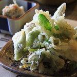わらべ - ぶっかけそばセットの山菜天ぷら