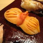 鮨の間 - 赤貝