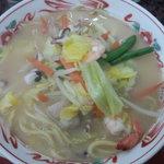 南中軒 - 料理写真:チャンポン600円 インゲン豆が入って珍しい具材構成。