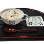 SNOOPY茶屋 由布院 - スヌーピーカフェラテ(ホット)