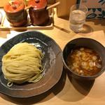 つけ麺屋 やすべえ - 太麺の美しい事!