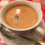 神楽坂 グラタン食堂 ボン・グゥ - コーヒーはマシンでいれたものでした