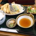 居食屋「和み亭」 - 鶏天セット
