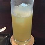 スイーツカフェ&バー LOUNGE - リンゴジュース(900円)