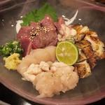 炭とおいしいお酒のお台処 晃 - 鶏のすんごいお造り盛り (1280円)
