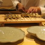 73465664 - 天然鮎の塩焼き 琵琶湖と奥長良の食べ比べ1