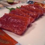 恵 - 料理写真:鯨の刺身。