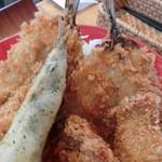 平塚漁港の食堂 - 6種類