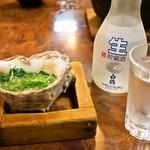 貝つぼ焼 大谷 - 料理写真:貝つぼ焼 & 冷酒