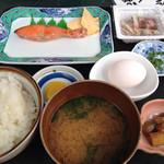 朝市食堂 しょう家 - 朝定食(税込550円)