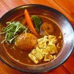 カレーのふらのや - 料理写真:トリ爆弾のスープカリー(滝川産合鴨使用)¥980円