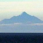 レストラン 風夢 - 部屋から見える利尻岳 約200キロ遠方