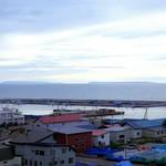 レストラン 風夢 - 客室より左が天売島、右が焼尻島
