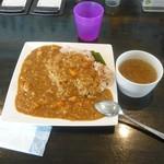ニッコ・スクウェア - カレーセット1,000円のレギュラーカレーとスープ
