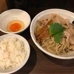 73496146 - 男のまぜ麺(300g)生玉子とライスと共に