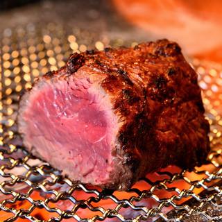 【毎月2・9・29日は肉の日】炭火焼き牛塊肉