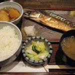 居食処 まんなか屋 - 本日の魚定食(鯖)\750