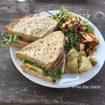 73500467 - 国産鶏ハーブチキンとモッツァレラチーズのサンドイッチ