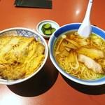 尹呂葉 - 料理写真:カツ丼・半らーめんセット