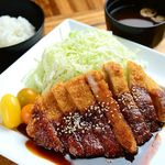 豚の定食 各850円[ご飯・お味噌汁・お漬物付]