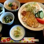 茶房 田田 - 料理写真:日替り定食