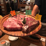 房総熟成肉庫 ジャイアン - 焼く前のお肉