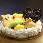 クレヨン - プリンケーキを使ったお誕生日ケーキ