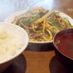 73512592 - 青椒肉絲定食