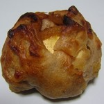 73512918 - りんごとクリームチーズのカンパーニュ
