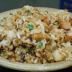 鈴廣 かまぼこの里 - かまぼこの残りと大葉で炒飯作りました。まあまあ美味しかったです